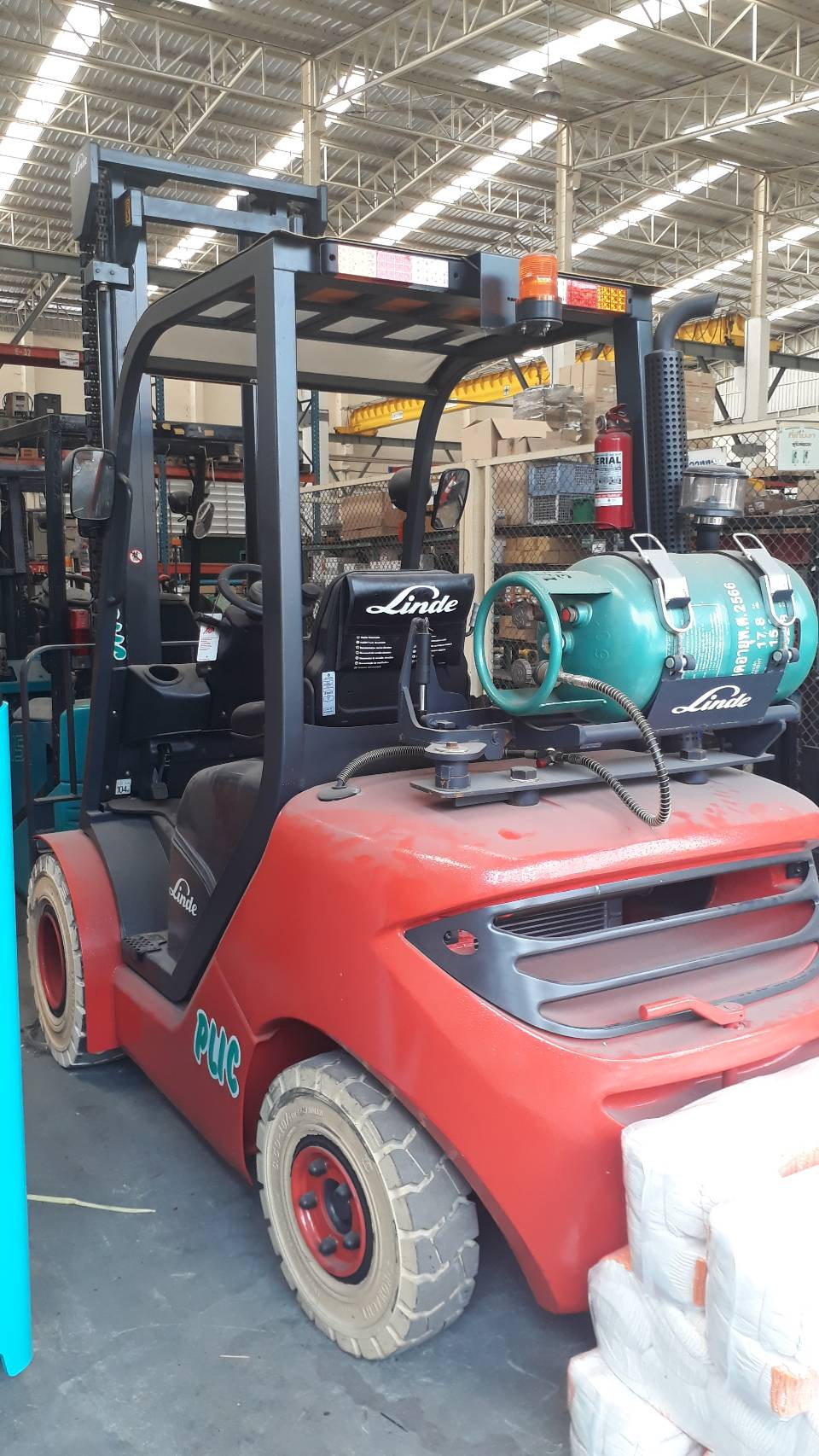 LINDE FORKLIFT COUNTER HT30TS-S4050, LPG, 4 TON